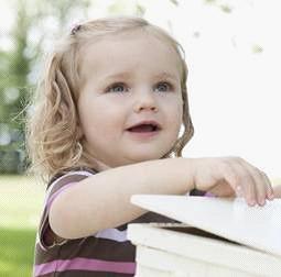 强生婴儿支招,秋季宝宝护理需注意的五个小细