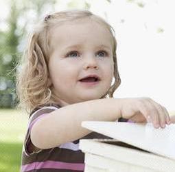 强生婴儿支招,秋季宝宝护理需注意的五个小细节